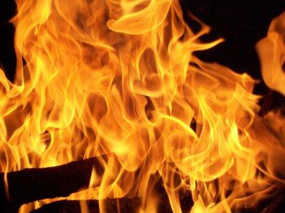 Come Accendere un Fuoco – Ecco 5 modi per accendere un fuoco in una situazione di emergenza.