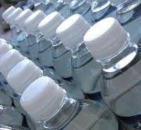 Sai qual'è la quantità di acqua di cui hai bisogno per sopravvivere?
